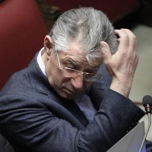 """Umberto Bossi: """"Il blitz del Ros? Colpa dei Servizi, la gente si incazza"""""""