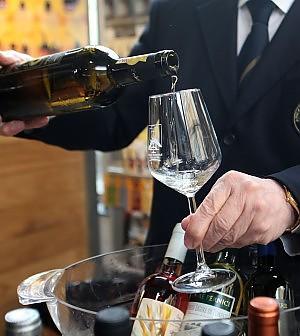 Il vino italiano batte la crisi: crescono fatturato e addetti