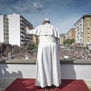 Ior, Papa Francesco ha approvato la riforma: continuerà a esistere