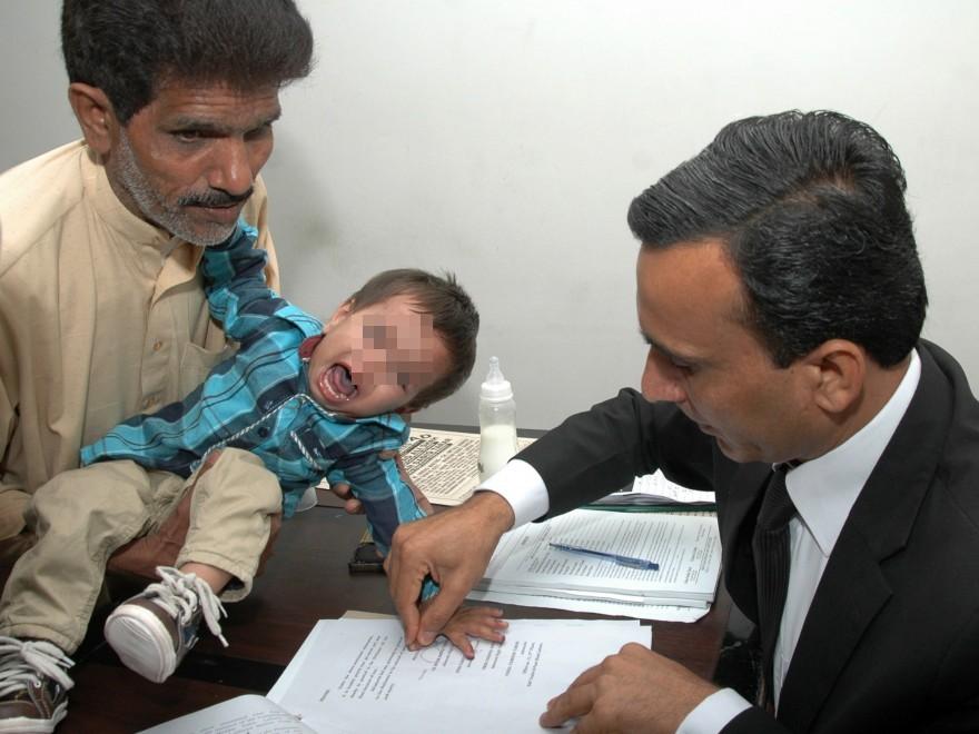 Arrestato in Pakistan un bambino di 9 mesi