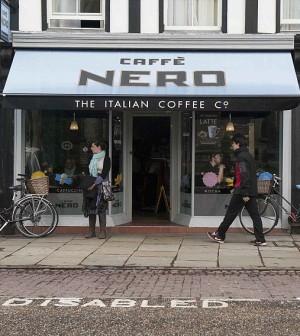L'espresso all'italiana conquista Londra. I profitti volano, ma di tasse neanche l'ombra