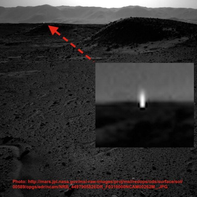 "Luce misteriosa su Marte. La Nasa: ""Raggi cosmici o luce riflessa"""
