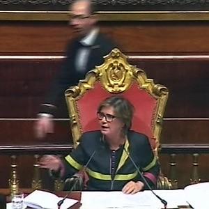 Mafia, su voto di scambio il Senato dice sì a 'ghigliottina'. Scatta la protesta M5S