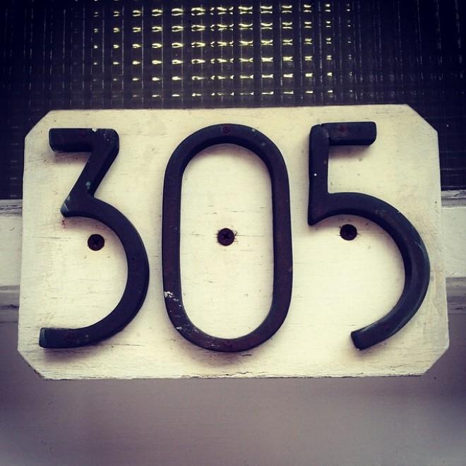 Tutti i numeri di new york ogni casa ha il suo stile for Numeri di casa in stile spagnolo