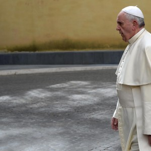 """Pedofilia, Papa: """"Chiedo perdono per abusi del clero"""""""
