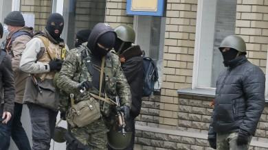 Forze speciali ucraine a  Sloviansk    video    spari tra esercito e separatisti: vittime