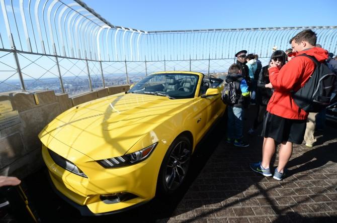 Una Mustang Sull Empire State Building Ford Festeggia 50