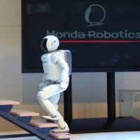 Ecco Asimo: il robot umanoide che balla come Travolta