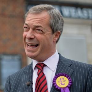 """Farage: """"Così noi inglesi usciremo dalla Ue. E poi saremo off-shore come la Svizzera"""""""
