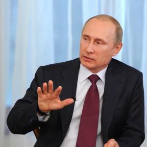 """Ucraina, tregua pasquale nel Sud-Est. Putin a Europa: """"Aiuti Kiev a pagare gas"""""""