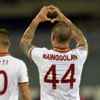 Roma, Nainggolan segna e fa il cuore verso la tribuna