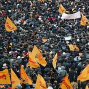 """Giro del mondo in 843 insurrezioni popolari, ma mai una """"vera rivoluzione"""""""