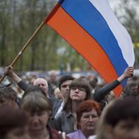 "Ucraina, Lavrov: ""Kiev viola i patti"". Gli Usa: ""Possibili sanzioni contro Putin"""