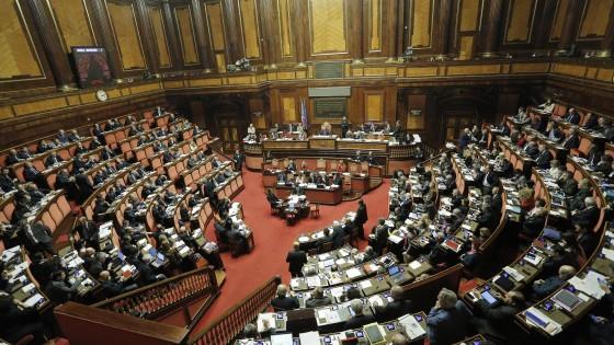 Riforma senato le cinque differenze tra i ddl di governo for Composizione del parlamento
