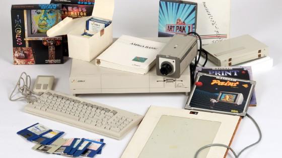 Ritrovati in un computer Amiga inediti digitali di Andy Warhol
