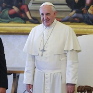 Papa Francesco telefona a Pannella. E lui interrompe lo sciopero della sete