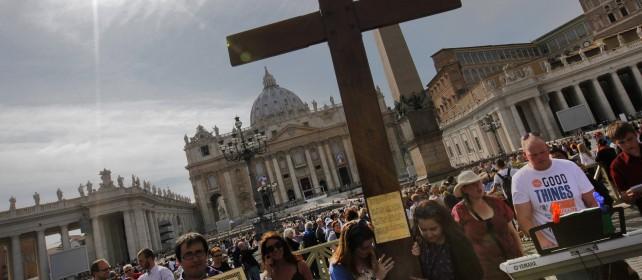 La scelta di Francesco:  perché canonizzarli insieme