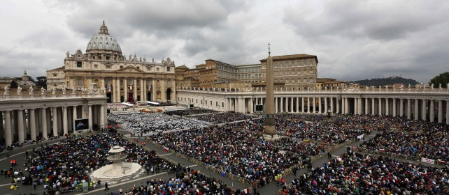 """Giovanni XXIII e Giovanni Paolo II santi   liveblog     Francesco : """"Due uomini coraggiosi""""    foto     - video   Roma invasa da 800mila fedeli   fotostoria     - video"""