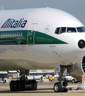 """I sindacati: """"Alitalia vuole risparmiare 400 mln"""".<br />Lupi annuncia l'arrivo della lettera di Etihad"""