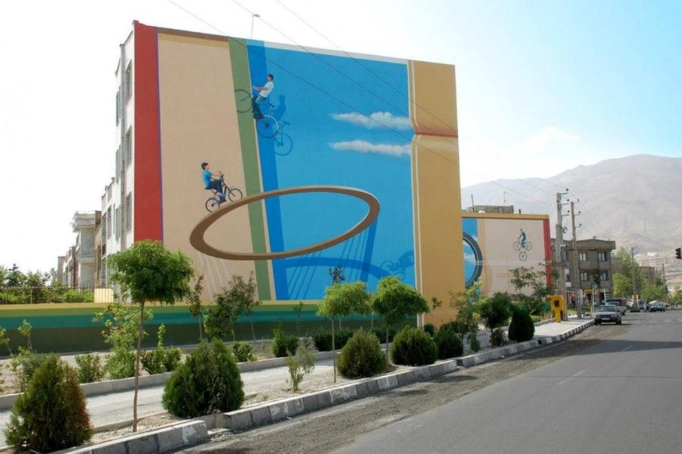 Teheran surreale: murales 3D per colorare la città