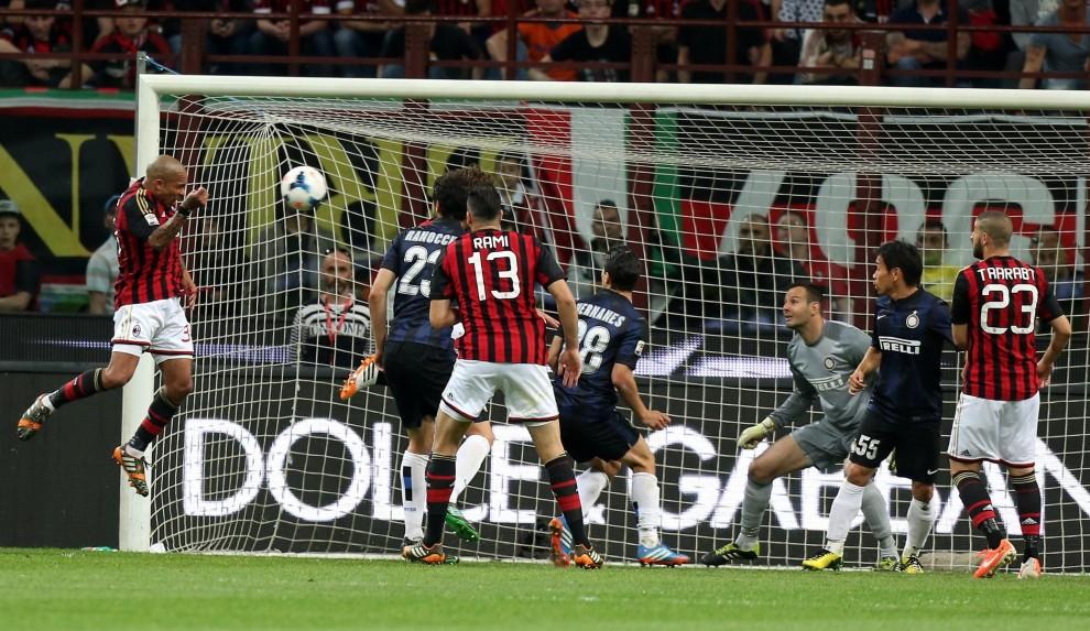 Серия А. Милан - Интер 1:0. Россонери по-прежнему в игре - изображение 6