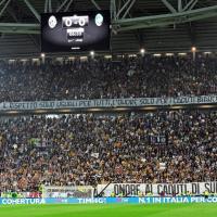 Juventus, striscione per i caduti di Superga. Ma la curva si divide
