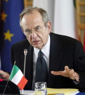 """All'Ecofin accordo sulla Tobin tax.<br />Padoan: """"La tassa entro fine anno"""""""