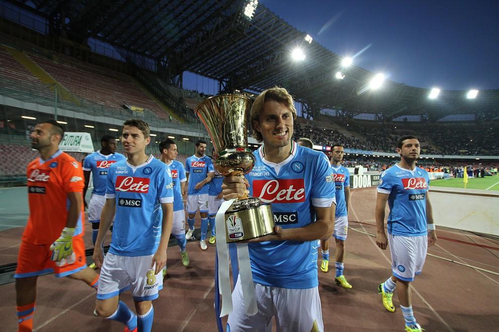 Napoli: festa in tono minore per la Coppa Italia, cori e striscioni per Ciro
