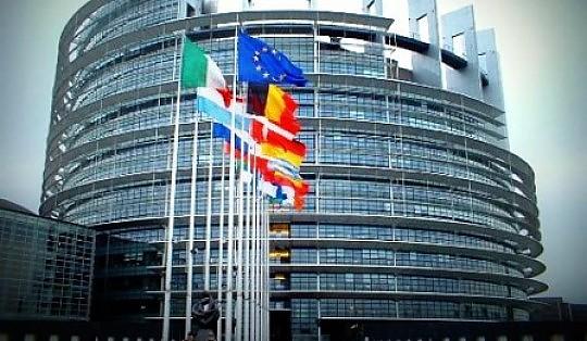 Il parlamento ue costa 3 58 euro a cittadino ma la tripla for Sede parlamento italiano