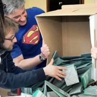 Abruzzo, corsa a quattro tra inchieste e veleni