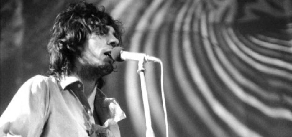 """La vera storia di Syd Barrett, il geniale """"diamante pazzo"""" che fece grandi i Pink Floyd"""