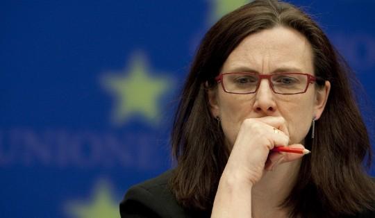 """Immigrazione: Ue scioccata, chiede confronto a 28. Alfano: """"L'Europa non ci aiuta"""""""