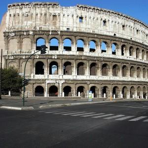 Londra capitale mondiale dei selfie. Ma il Colosseo è lo sfondo preferito