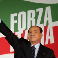 """Berlusconi: """"Grillo è come Hitler, fa paura e specula su cittadini disperati"""""""