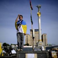 Ucraina, chiusa campagna elettorale tra le violenze. Putin, voto irregolare ma lo rispetteremo