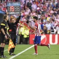 Real Madrid-Atletico, Diego Costa lascia il campo per infortunio
