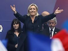 "Francia, trionfo Le Pen  ""Referendum sulla Ue"""
