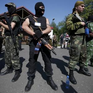 Ucraina: Kiev rilancia il dialogo, ma a Donetsk si combatte
