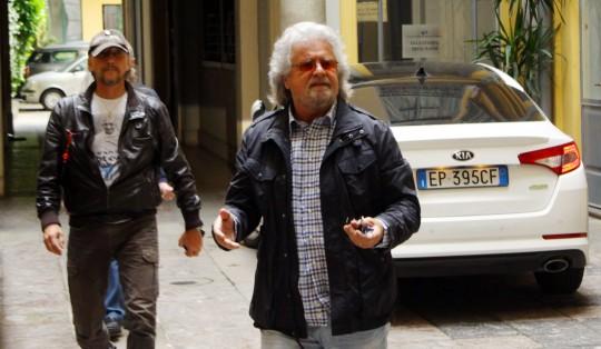 """Europee, Grillo sul blog: """"Italia di pensionati che non vogliono cambiare"""". E cita De Andrè: """"Verremo alle vostre porte"""""""