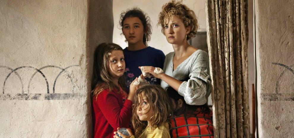 """Alba Rohrwacher: """"Alice ed io sulla stessa strada per tenerci d'occhio"""""""