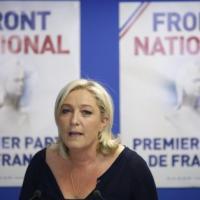 """Francia, Le Pen: """"Hollande indica elezioni anticipate. E se vinceremo,"""
