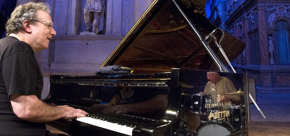 """Uri Caine: """"Avevo un sogno, New York e il piano jazz. Lì ho scoperto un mondo nuovo"""""""