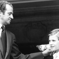 Juan Carlos abdica dopo 39 anni di regno: la fotostoria