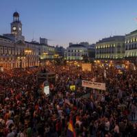 Madrid, migliaia in piazza contro la monarchia