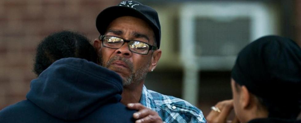 """Usa, bimbo accoltellato in ascensore: si cerca un serial killer. La polizia: """"Aveva già ucciso"""""""