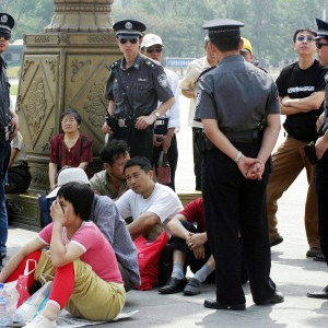 Tienanmen, Google bloccato in Cina: la censura dai libri di storia al Web