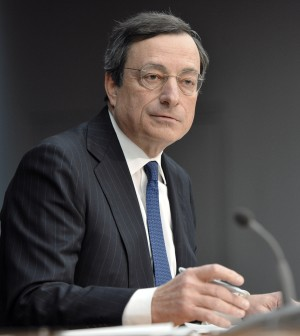 Draghi in campo contro la deflazione: in arrivo nuova liquidità. I tassi Bce giù al minimo