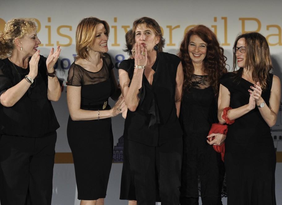"""RepIdee, """"Ferite a morte"""": il teatro di Serena Dandini contro il femminicidio"""