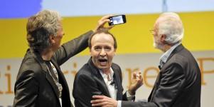Benigni e Scalfari  tra politica e poesia (con selfie)