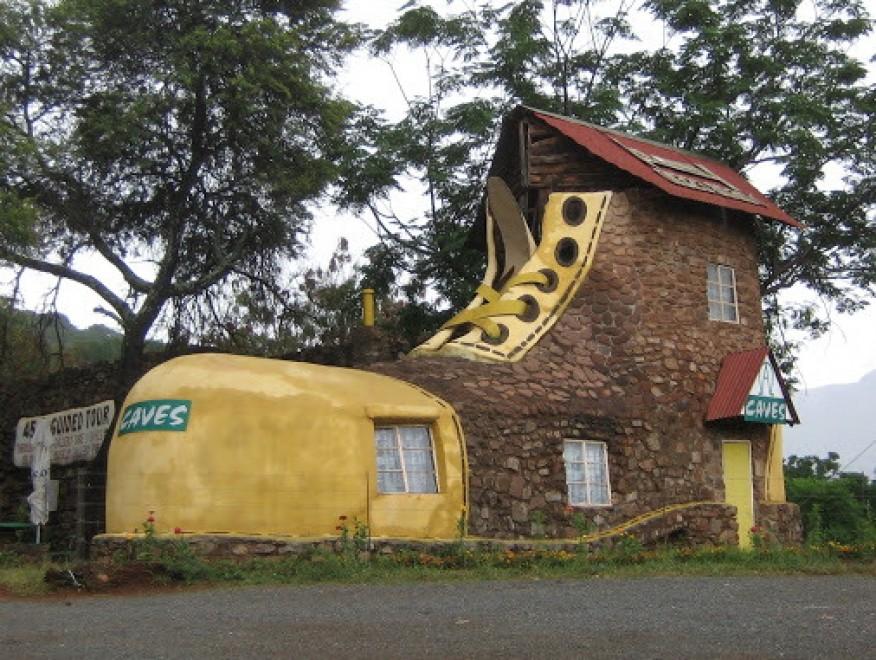 A forma di water o teiera le case pi strane del mondo for Le piu belle case del mondo foto